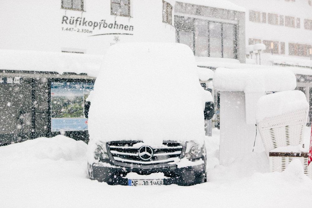 Lech Zürs am Arlberg versinkt mal wieder im Schnee (07. März 2017) - © Facebook Lech Zürs