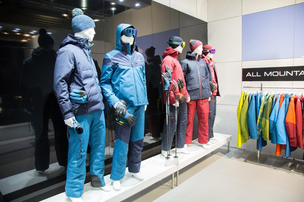 ISPO trendy  Nové sportovní oblečení na zimu 2017 2018 bf0b60a586