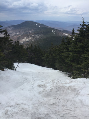 Killington Resort - Snow is getting a little bit thin at the bottom but all around, not too shabby.  - ©Aaron's
