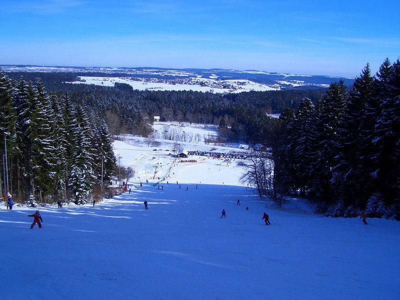 Ausblick vom Berg des Stockinger Skilifts