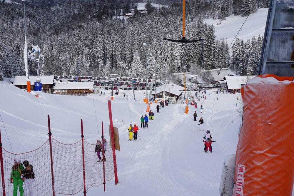 Blick ins Tal im Skigebiet Götschen