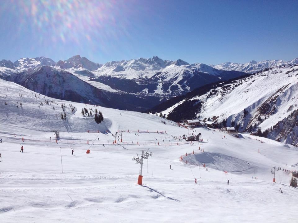 Conditions parfaites (soleil généreux et neige fraiche) sur les pistes de ski de Champagny en Vanoise - © Office de Tourisme de Champagny en Vanoise