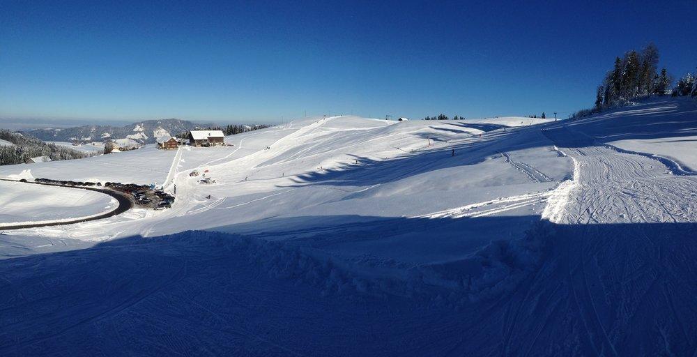 Panoramaansicht des Skigebiets Hemberg-Bächli - © Skilift Hemberg