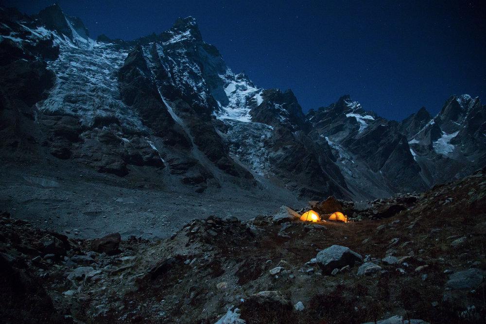 Vollmondnacht im Basislager auf 4000 Metern - ©Timeline Productions