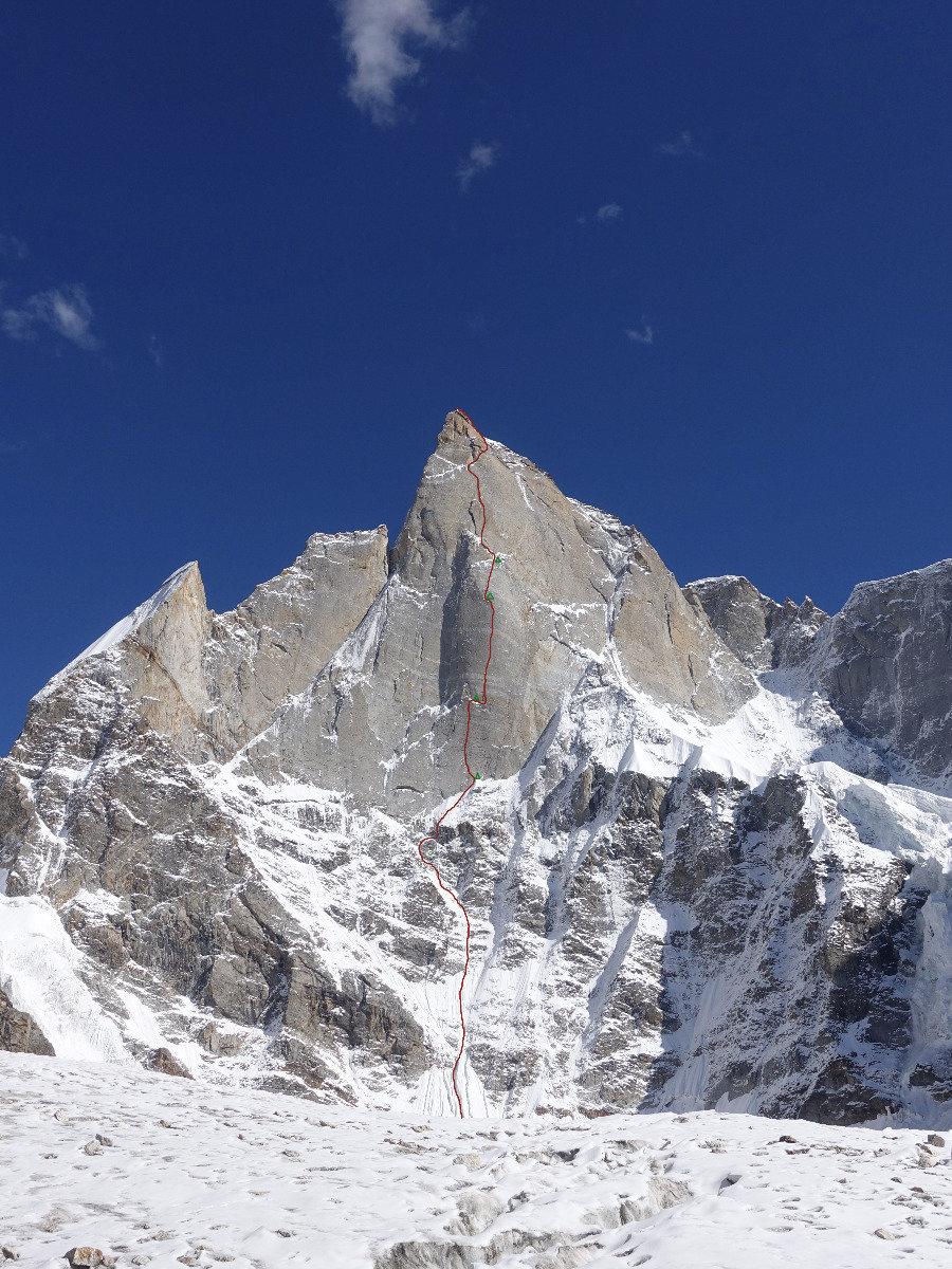 ''Har Har Mahadev'', die Linie durch Nordwestwand des Cerro Kishtwar von Siegrist, Huber, Zanker. - ©Timeline Produtions