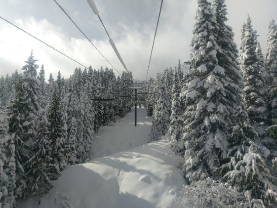 Crystal Mountain - Amazing conditions for it only being the 3rd day open.  Powder stashes in the AM!  - © anonymous