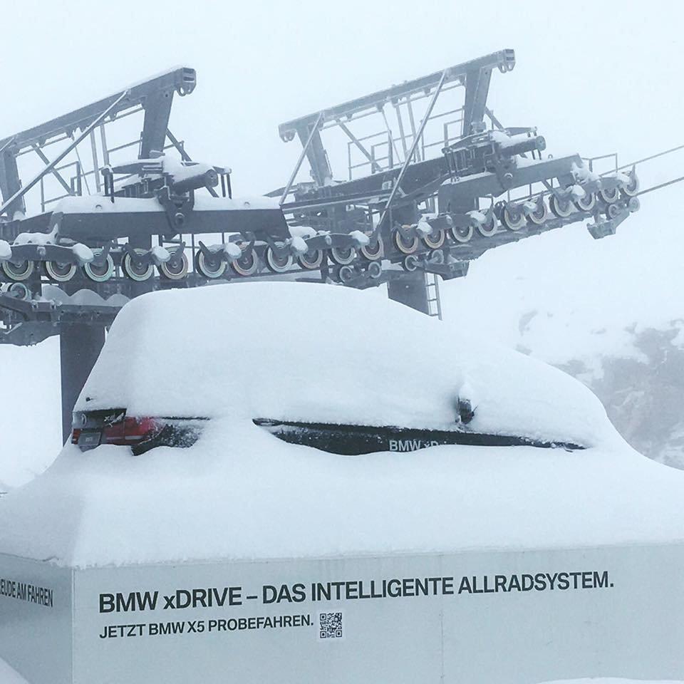 Am Hintertuxer fiel am 20.09. so viel Schnee wie vielerorts im ganzen letzten Winter nicht - © Facebook Hintertuxer Gletscher