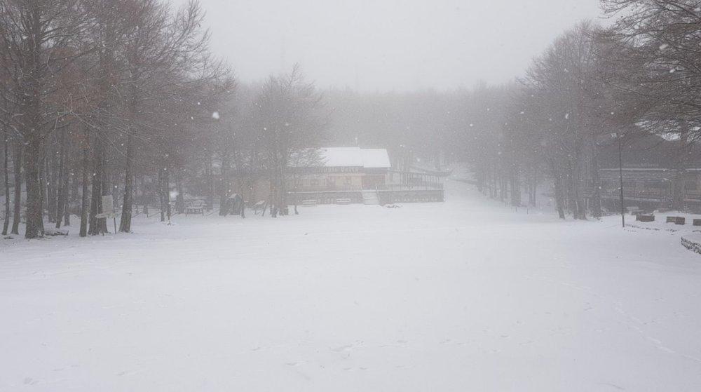 Monte Amiata, nevicata del 13.11.17 - © @AmiataNeve Twitter