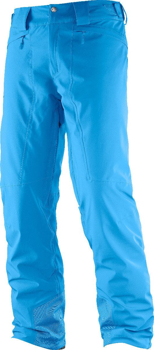Le pantalon Salomon ICEMANIA possède un des meilleurs fits du marché grâce à l'utilisation d'une matière résistante en nylon offrant un stretch 4 directions. Ce pantalon garde la chaleur naturelle du corps et agit comme isolant face à la neige. – 200,00€ - © Salomon
