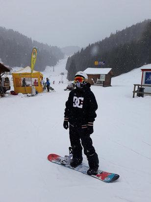 Folgaria - Domenica neve ghiacciata il mattino, il pomeriggio un paio di cm di fresca - © iPhone di manuel