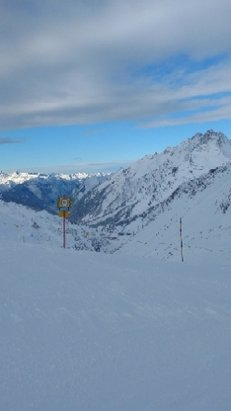 St. Anton am Arlberg - great conditions today, snowfall overnight and clear skies during the day - © anonymous