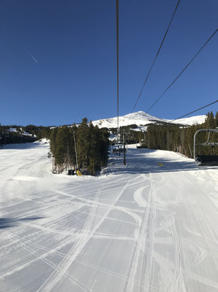 Breckenridge - Get out when the lift opens - © Colorado Ski Girl