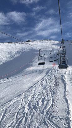 Prali - Oggi 23 Dicembre, giornata spettacolare !! Temperatura calda ma la neve ha tenuto perfettamente tutto il giorno, piste perfettamente tirate  - © Matteo
