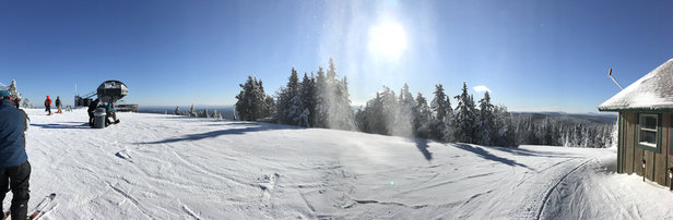 Mount Snow - It's cold. Snow is good and groomed well. No bare bare spots and no ice. Crowds forming around the Bluebird bubble chair. It's still cold. About -5F