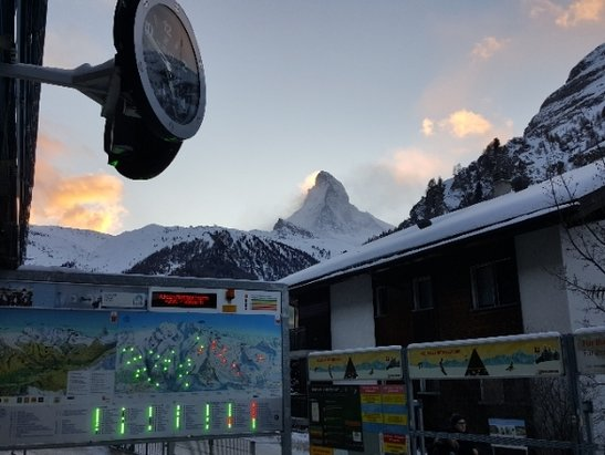 Zermatt - Mostly cloudy in the morning but the clouds cleared in the afternoon.  Colder temps but the sunshine made for an excellent day.  The Klein Matterhorn and Italy were closed due to high winds. - © Zermatttski