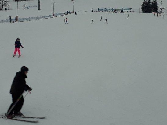 Zieleniec Ski Arena - mokro, w niższych partiach deszcz - © Anonim