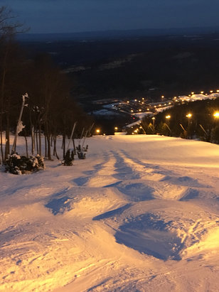 Blue Mountain Resort - There are moguls on Barney's. - © Vbarbo's iPhone