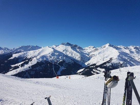 Mayrhofen - Wieder ein perfekter Skitag heute - © Anonym