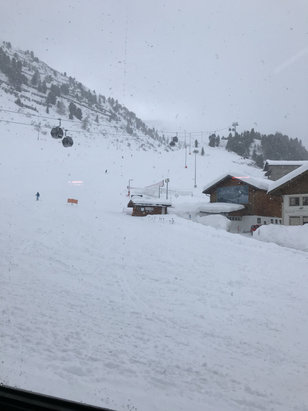 Obergurgl-Hochgurgl - Lots of snow, too much and many runs closed.  - © Terry's iPhone