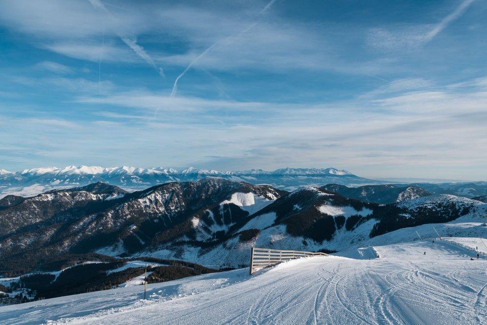 Jasná Nízke Tatry, slnečná lyžovačka 25.1. - © TMR