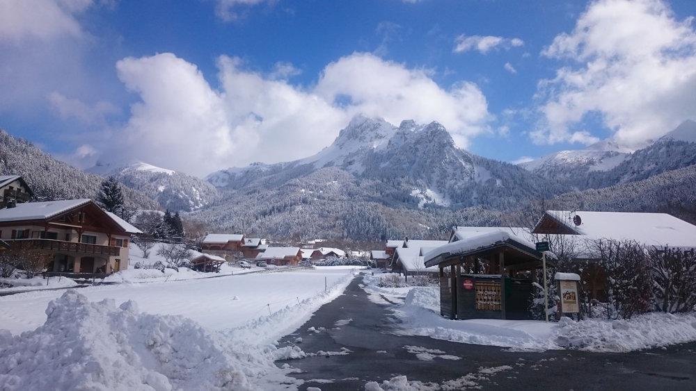 Vue sur la station village de Bernex - © Station de ski de Bernex