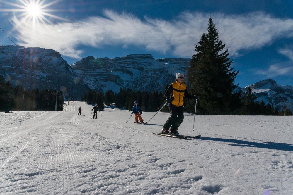 Ski en famille sur le domaine skiable du Mont Saxonnex - © Office de Tourisme Intercommunal Cluses Arve & montagnes