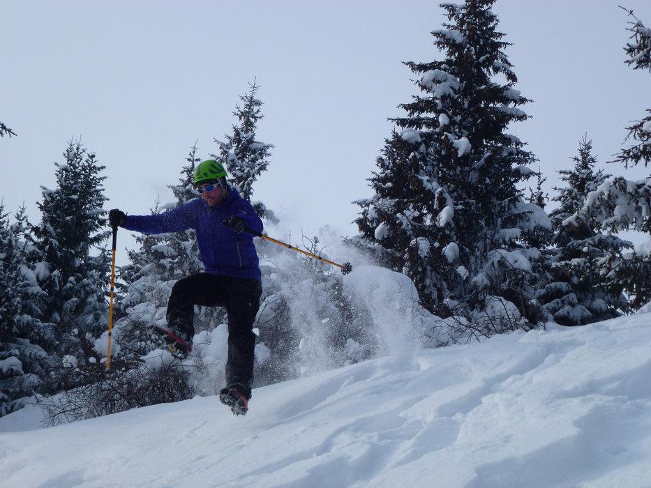 L'iceruisseling, une activité à tester lors de votre prochain séjour au Mont Saxonnex - © Office de Tourisme Intercommunal Cluses Arve & montagnes