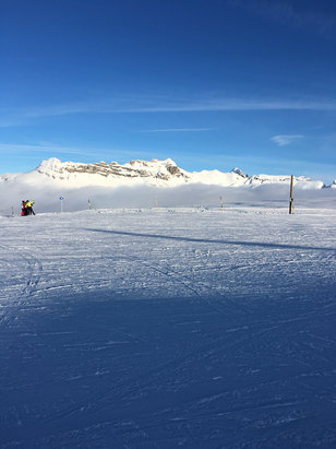 Flaine - Beautiful day - © AZyms iPhone
