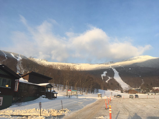 Stowe Mountain Resort - Great day a.m. was exceptional on quad...nobody here... more snow tonight  - © East