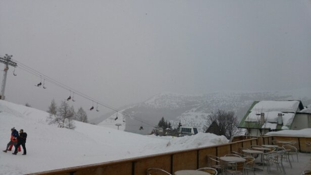 Alpe d'Huez - snowing and frey skys at 10am at 1800 - © anonymous