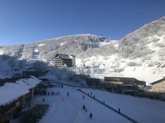 Col de Rousset - Voilà! On est le 24 février... et l'on a passé une semaine un peu dans le brouillard.. néanmoins la neige et la! Et aujourd'hui le soleil aussi!  - © juju