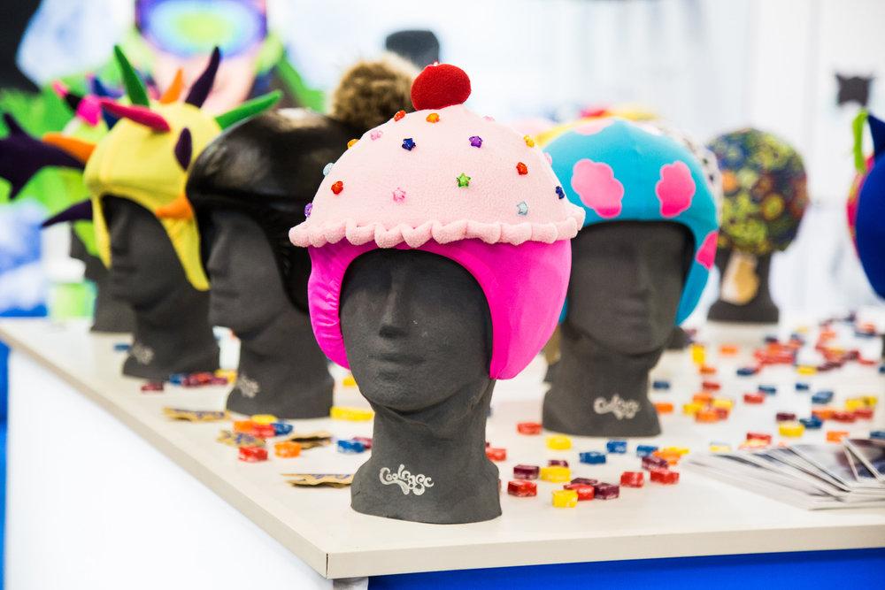 Coolcasc vyrábí kryty na helmy pro děti. - © Skiinfo | Sebastian Lindemeyer