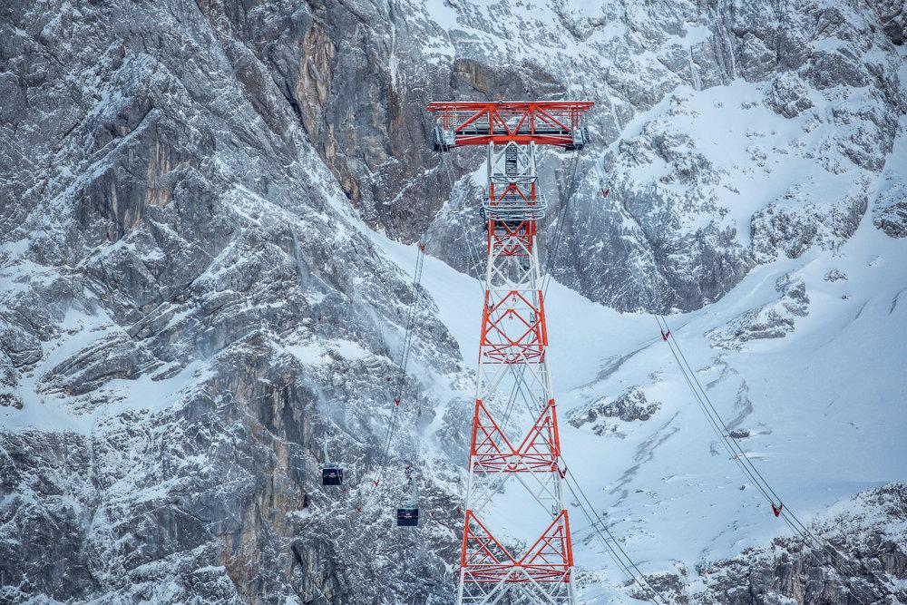 Die neue Rekordstütze der Seilbahn Zugspitze - © © Bayerische Zugspitzbahn Bergbahn AG/Max Prechtel