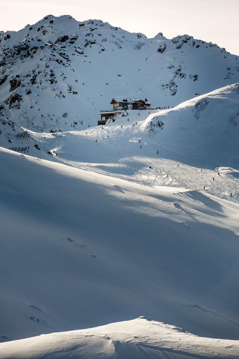 Von der Wedelhütte direkt auf die Piste - © © www.schultz-ski.at