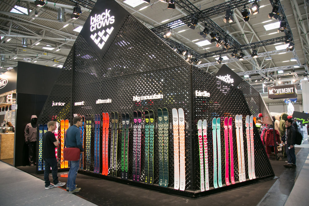 Na stánku Black Crows na ISPO - © Skiinfo | Sebastian Lindemeyer