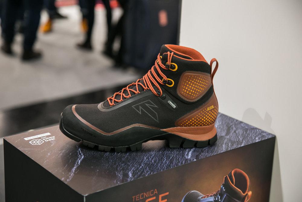 Produkt roku oceněný na ISPO: Tecnica Forge se plně připůsobí tvaru konkrétní nohy - © Skiinfo | Sebastian Lindemeyer