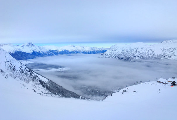 Alyeska Resort - Beautiful condition  - © MOM