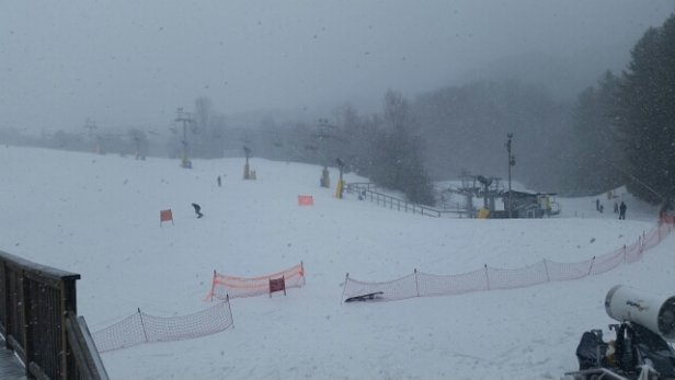 "Cataloochee Ski Area - 6""+ new snow, light powder. Great day for spring  in NC - © bmorril21"