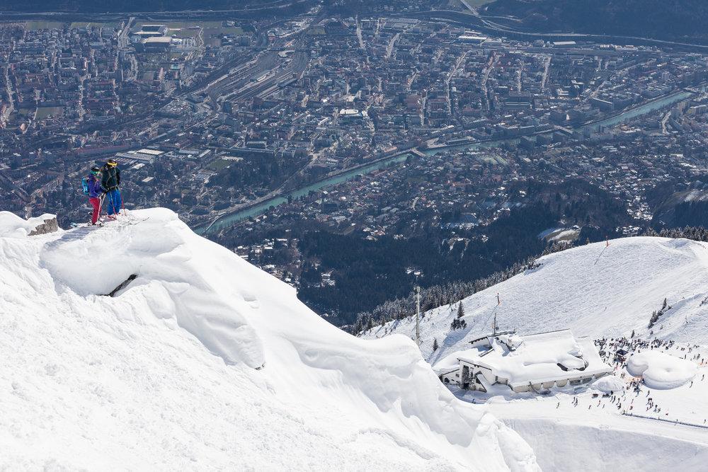 Skifahren mit Blick auf Innsbruck - © © Innsbrucker Nordkettenbahnen - Webhofer