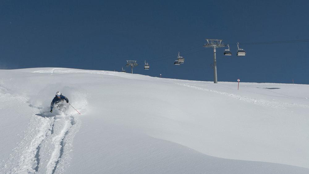 Frischer Powder im Skigebiet Kappl