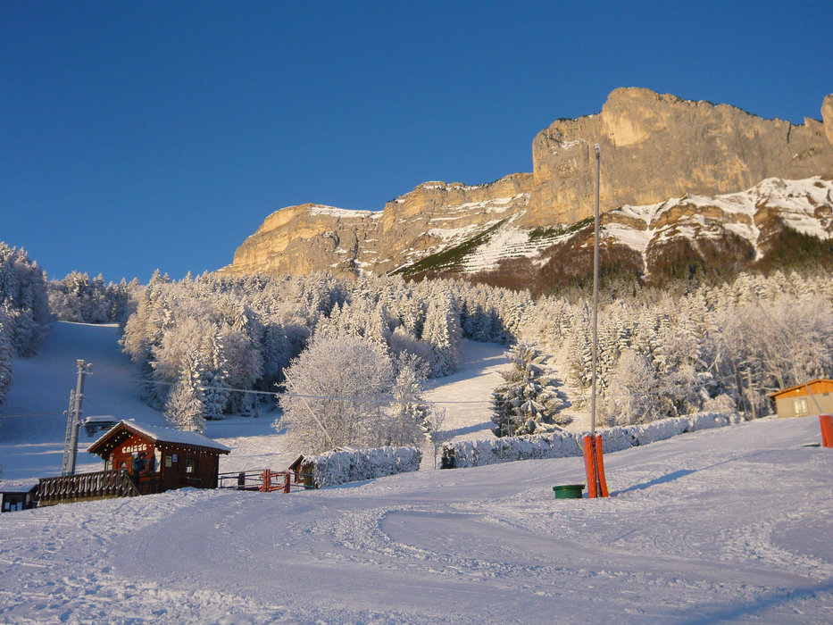 Le front de neige de Saint Hilaire du Touvet - © Station de Saint Hilaire du Touvet