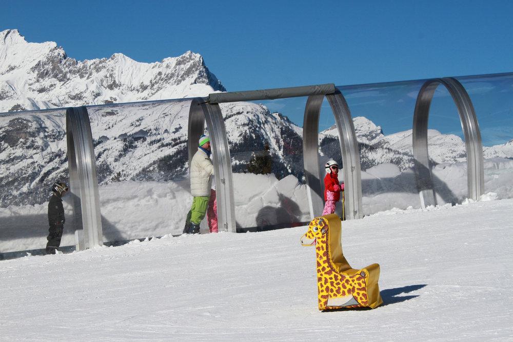 Überdachtes Förderband im Skigebiet Kellerjochbahn - © Berg- und Schilift Schwaz-Pill Ges.m.b.H