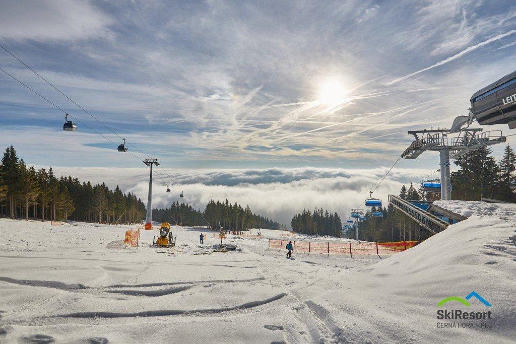 Středisko Černá hora je tradieně jedním z nejdříve otevřených skiareálů, lyžuje se tady už od začátku prosince. - © SkiResort ČERNÁ HORA - PEC