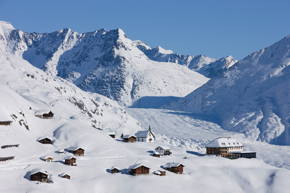Der große Aletschgletscher und das Hotel Belalp - © Blatten-Belalp Tourismus