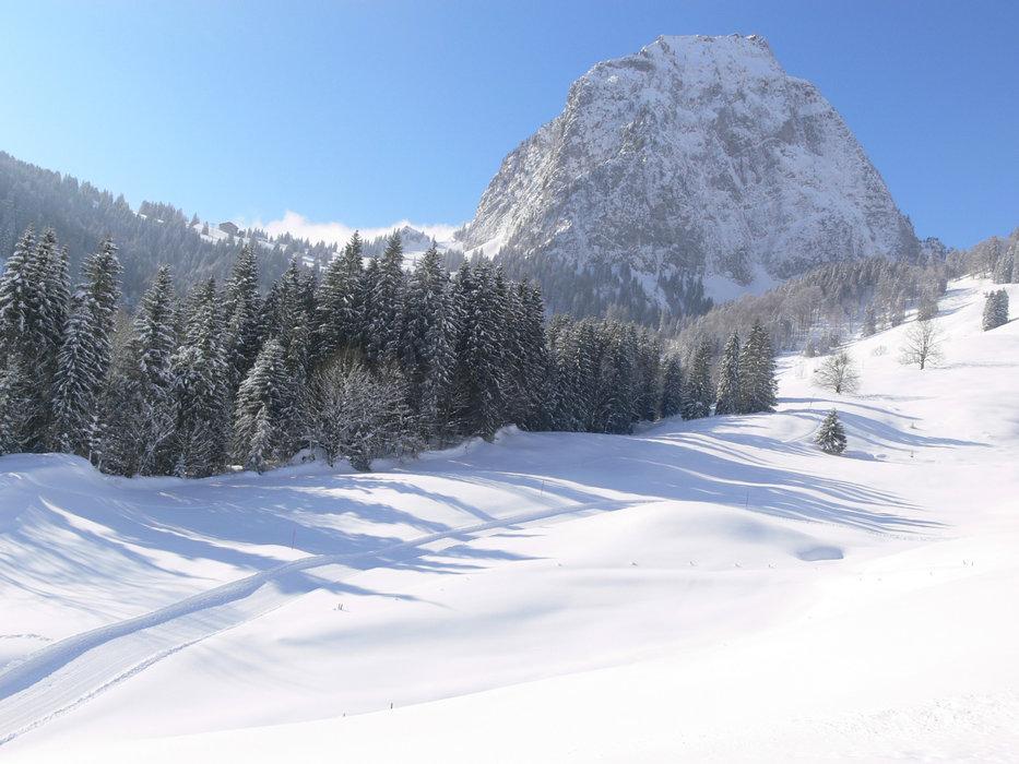 Winterwanderweg in Brunni - © www.brunnialpthal.ch