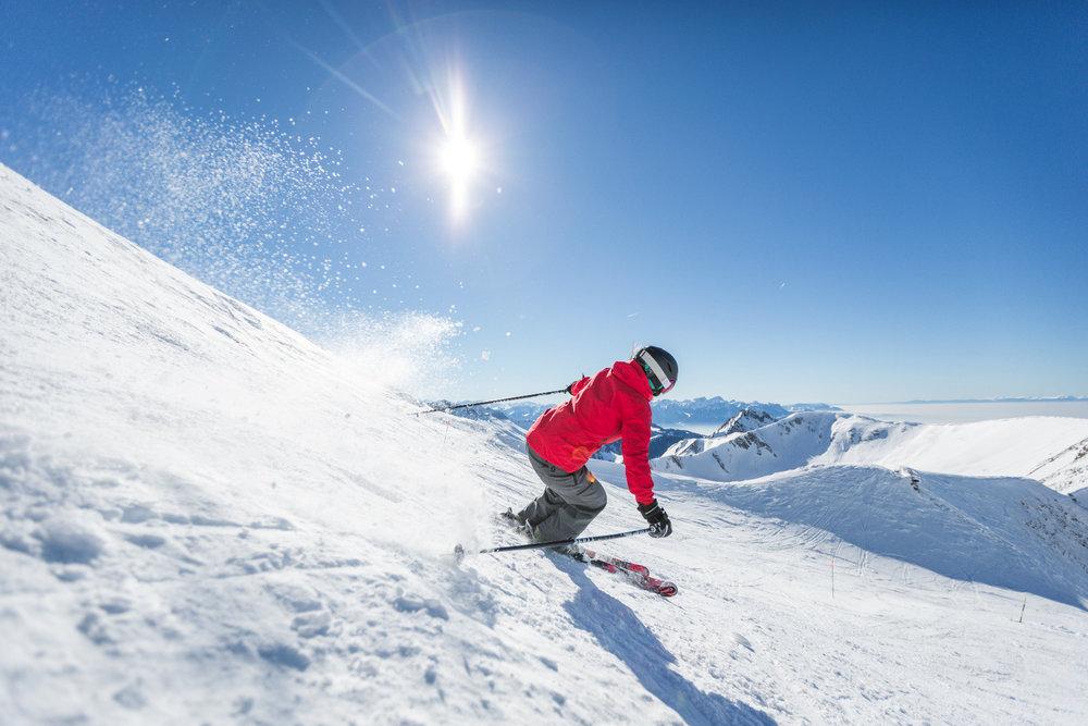 Wer möchte, der findet im Skigebiet Moléson-sur-Gruyères auch steile Pisten - © Pascal Gertschen