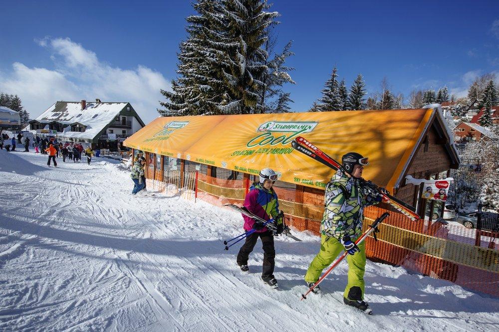 V Čenkovicích se po několika zimách znovu otevírá Apresski - © Skiresort Buková hora