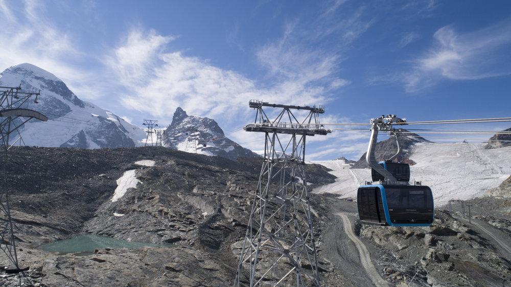 Der neue Matterhorn Glacier Ride verläuft paralell zur alten Kabinengondelbahn - © LEITNER ropeways