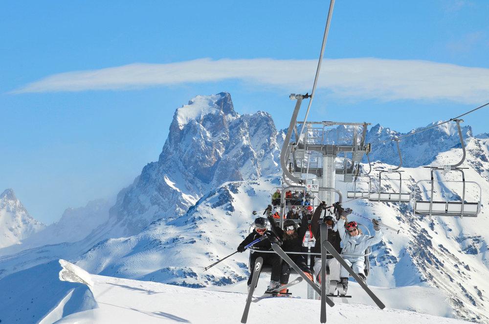 En route pour les pistes de ski de Sainte Anne la Condamine ! - © Manu Molle