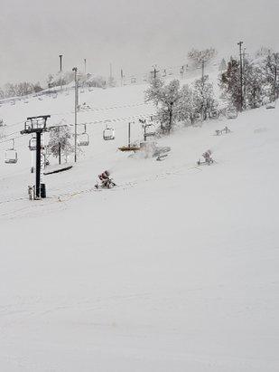 Buck Hill - Season starts in 45 min.  - © SwissBob